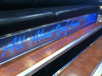 MotorCoach - Deluxe Motor Coach