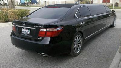 Stretch Limo - Lexus