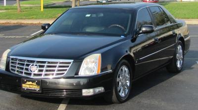 Sedan - Cadillac DTS