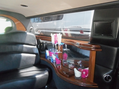 Stretch Limo - Cadillac DTS