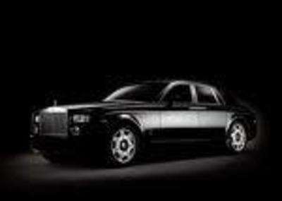 Luxury Sedan - Rolls Royce Phantom
