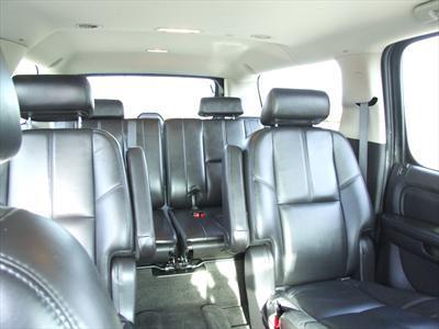 SUV - GMC Yukon Denali